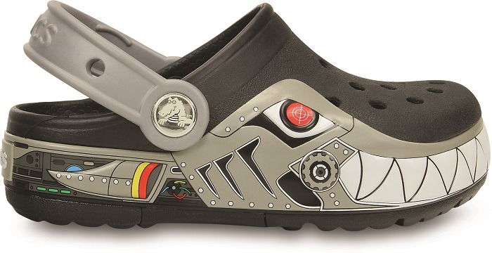 http://yessport.pl/pol_pl_Buty-klapki-Crocs-Lights-Robo-Shark-Clog-15362-BLACK-5231_1.jpg