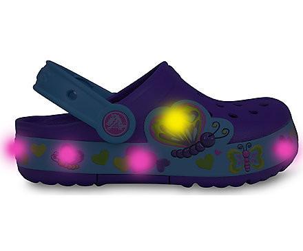 http://yessport.pl/pol_pl_klapki-Crocs-Lights-Butterfly-15685-NEON-PURPLE-AQUA-5567_2.jpg