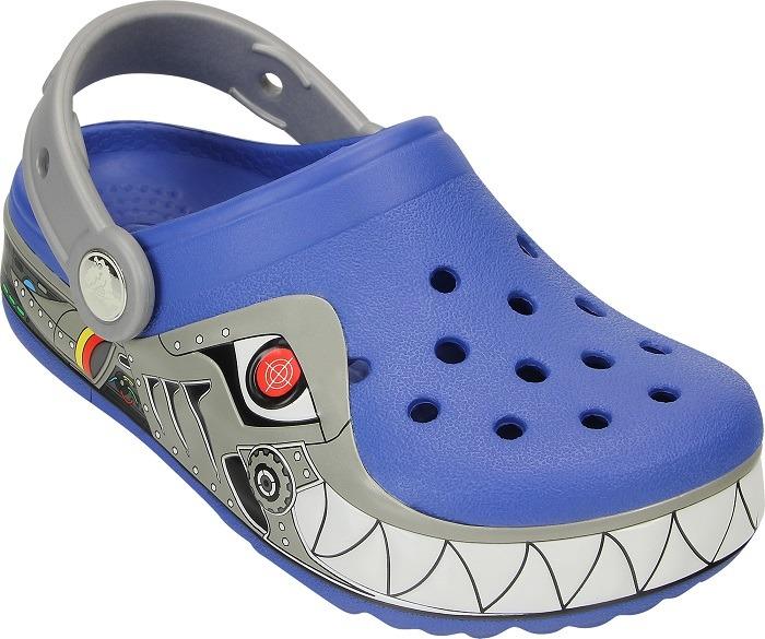 https://yessport.pl/pol_pl_Buty-klapki-Crocs-Lights-Robo-Shark-Clog-15362-SEA-BLUE-4957_2.jpg