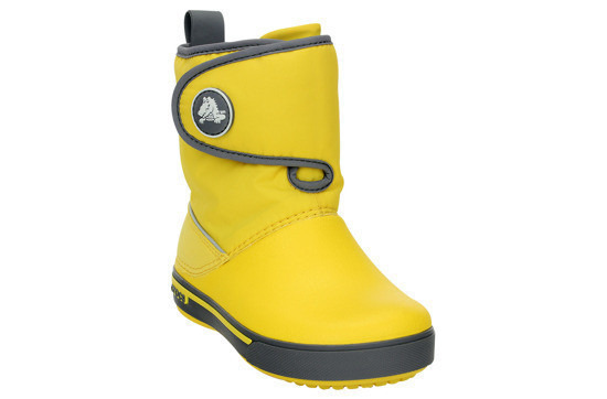 https://yessport.pl/pol_pl_Sniegowce-CROCS-GUST-BOOT-12905-yellow-charcoal-30--6326_2.jpg