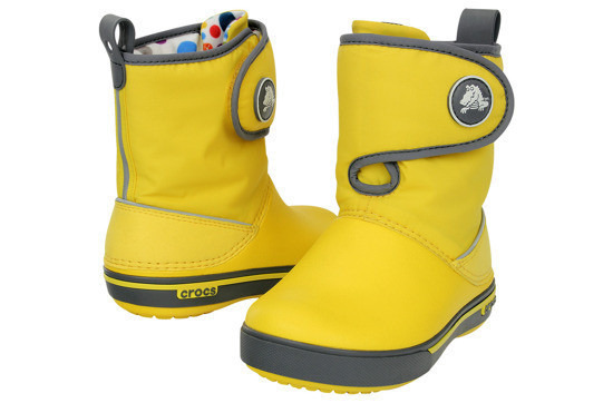 https://yessport.pl/pol_pl_Sniegowce-CROCS-GUST-BOOT-12905-yellow-charcoal-30--6326_3.jpg